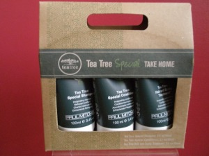 Tea Tree Take Home Kit. (Contains Tea Tree Shampoo, Conditioner & Treatment).